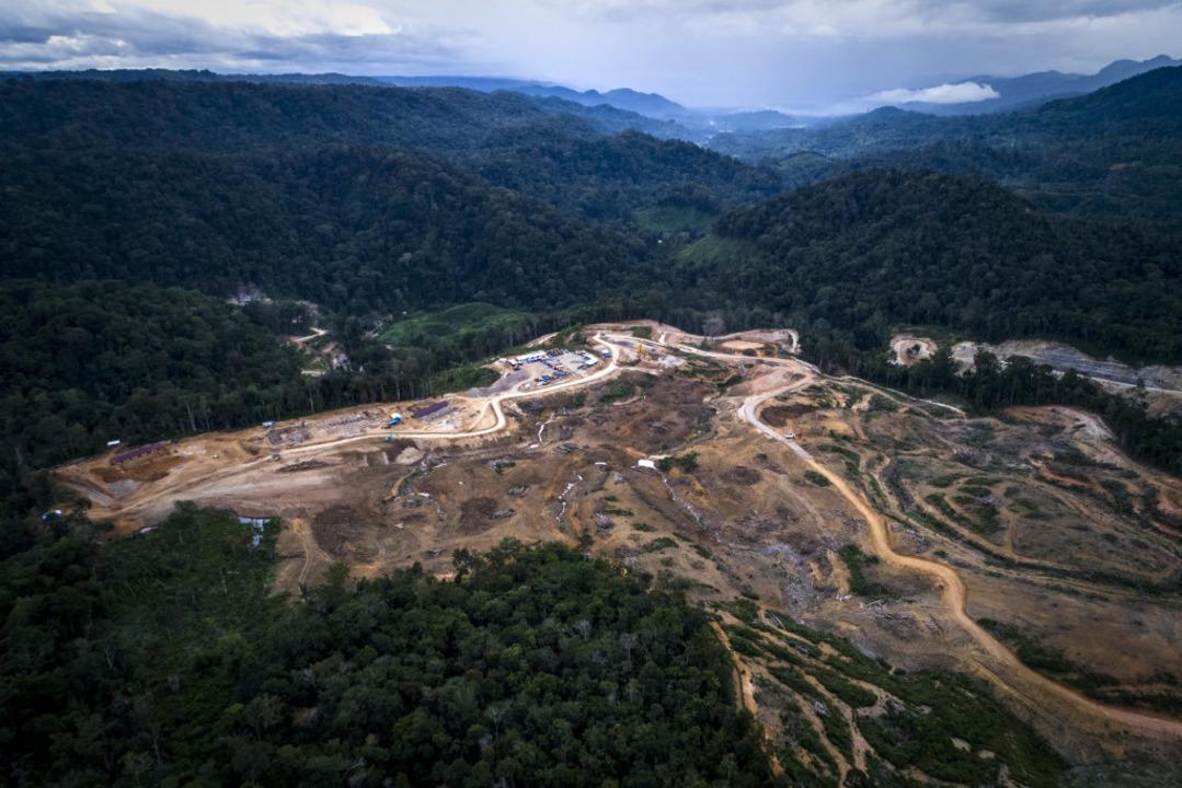 Hier soll  das Wasserkraftwerk gebaut werden.  | Foto: dpa
