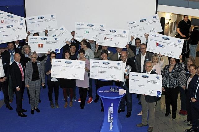Autohaus Ernst und König spendet 57620 Euro