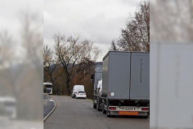 Lastwagen machen Ärger in Degerfelden