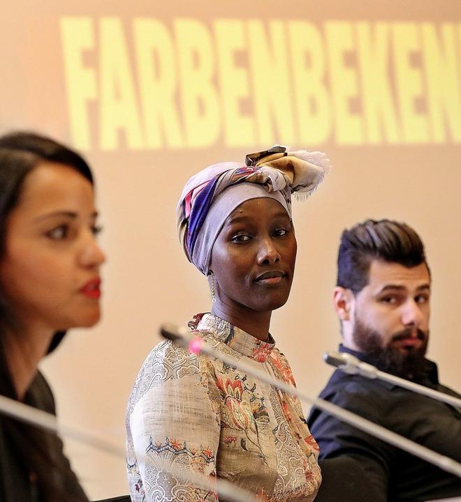 Die Frauenrechtsaktivistin Fatuma Musa...o Regenbogen Award einen Sonderpreis.   | Foto: Wolfgang Kumm/dpa