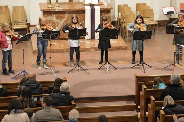 Musikschüler erfreuen beim Adventskonzert