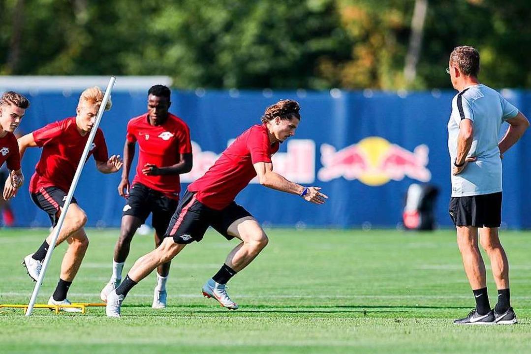 Wie stark er seine Spieler im Training...s und der Physiotherapeuten abhängig.   | Foto: dpa