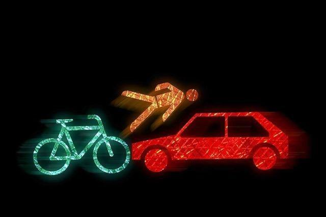 Fahrradfahrer auf Gehweg unterwegs – Unfall – Fraktur