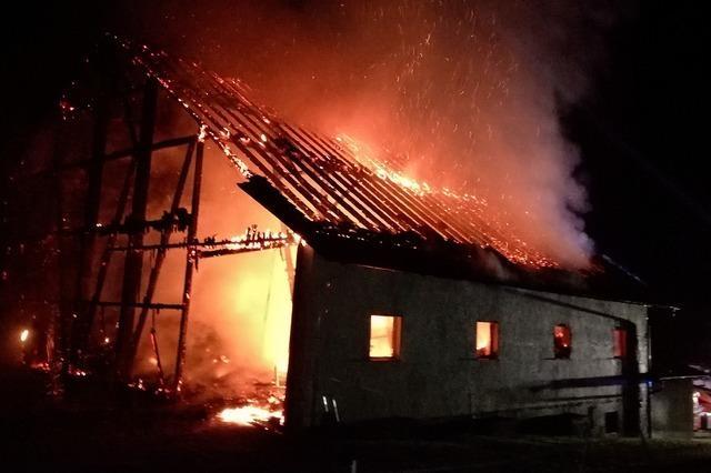 Feuerwehr bekämpft drei Brände in einer Nacht