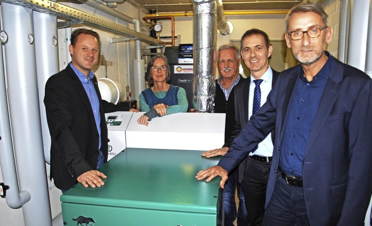 In dem grünen Kasten verbirgt sich das...z und Armin Schuster eingeweiht haben.  | Foto: Thomas Loisl Mink