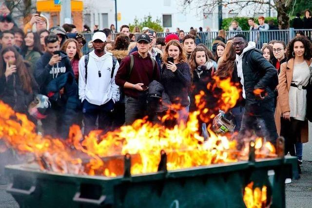 Mehr als 700 Festnahmen bei Schülerprotesten in Frankreich