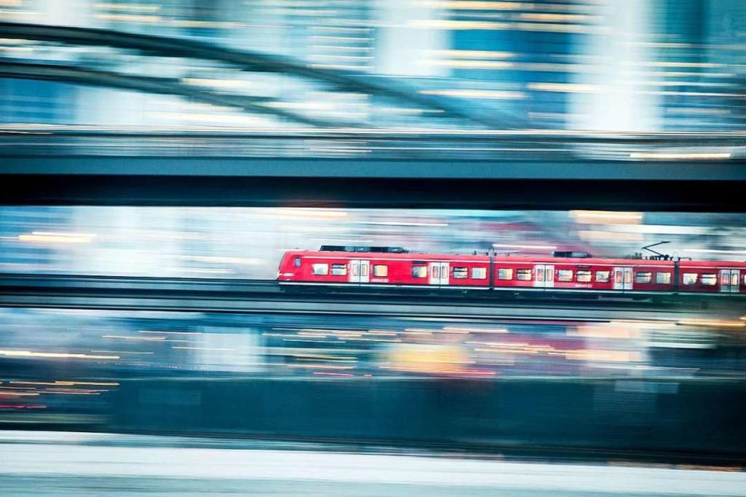 Mit dem Landestarif soll das Reisen einfacher werden.  | Foto: dpa