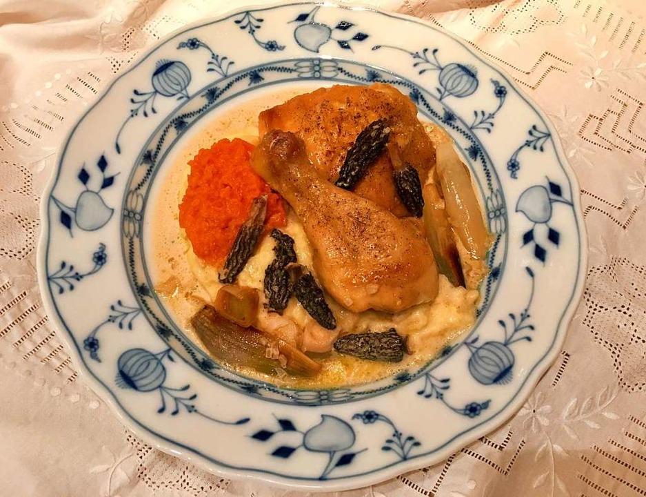 Möge es munden: Maishähnchen und Morcheln auf Meißner Porzellan   | Foto: stechl