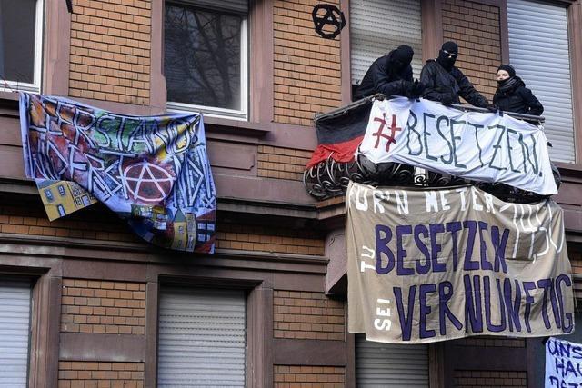 Haus in der Freiburger Guntramstraße besetzt