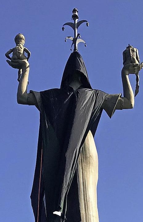 Für den Verfassungsschutz war es eine ...lung der Imperia-Statue in Konstanz.    | Foto:  DPA