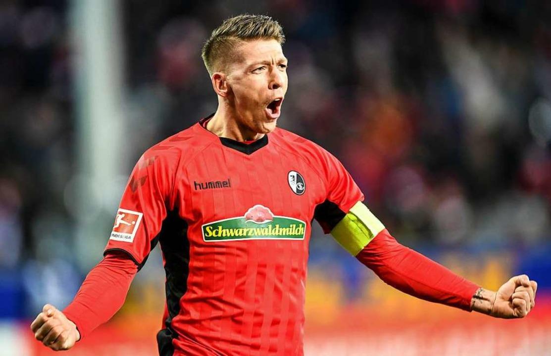 Freiburgs Kapitän Mike Frantze: Beweis...kurve wieder deutlich nach oben zeigt.  | Foto: dpa