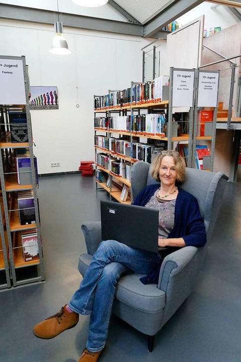 Katja Holstein-Gußmann stöbert bereits im Streaming-Angebot.    Foto: Erik Kunz