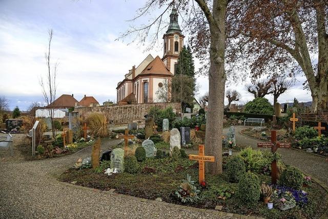 Neue Gräber wie in einer Parkanlage