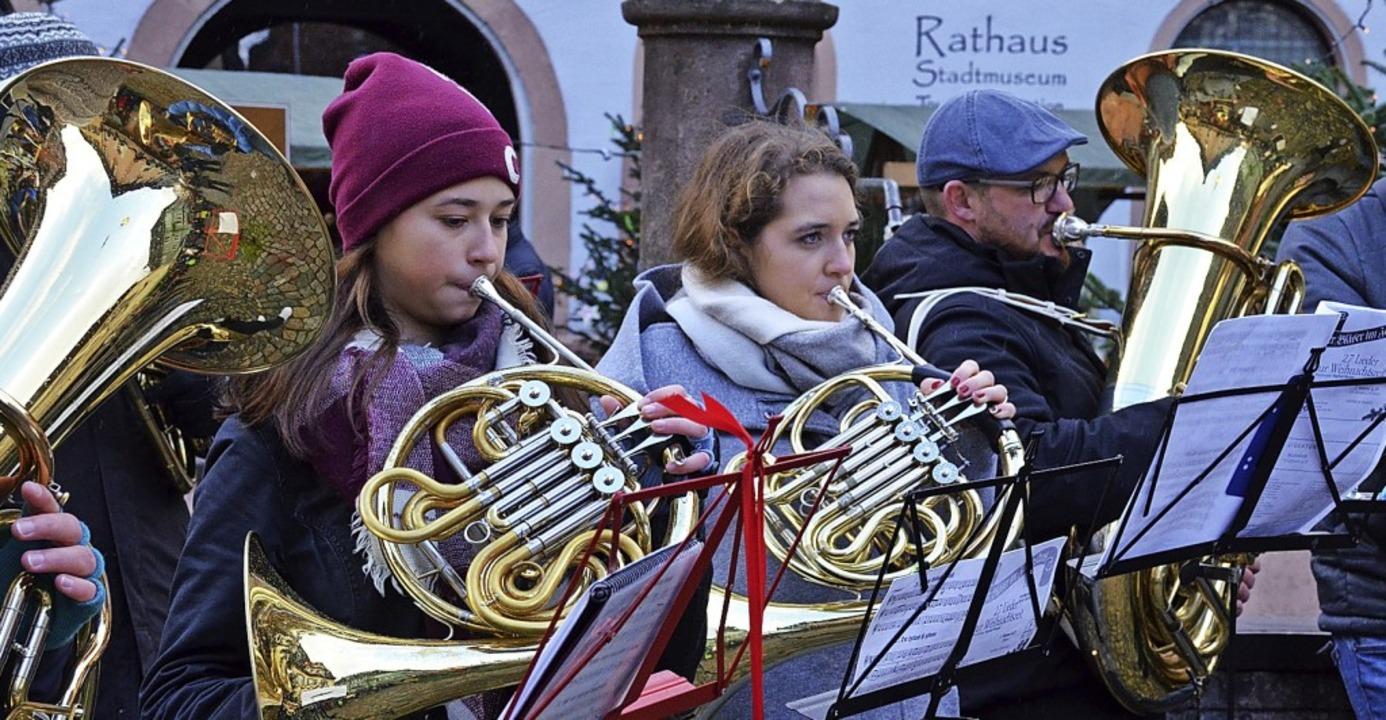 Die Blechbläser stimmten auf den zweiten Advent ein.    Foto: Gabriele Hennicke