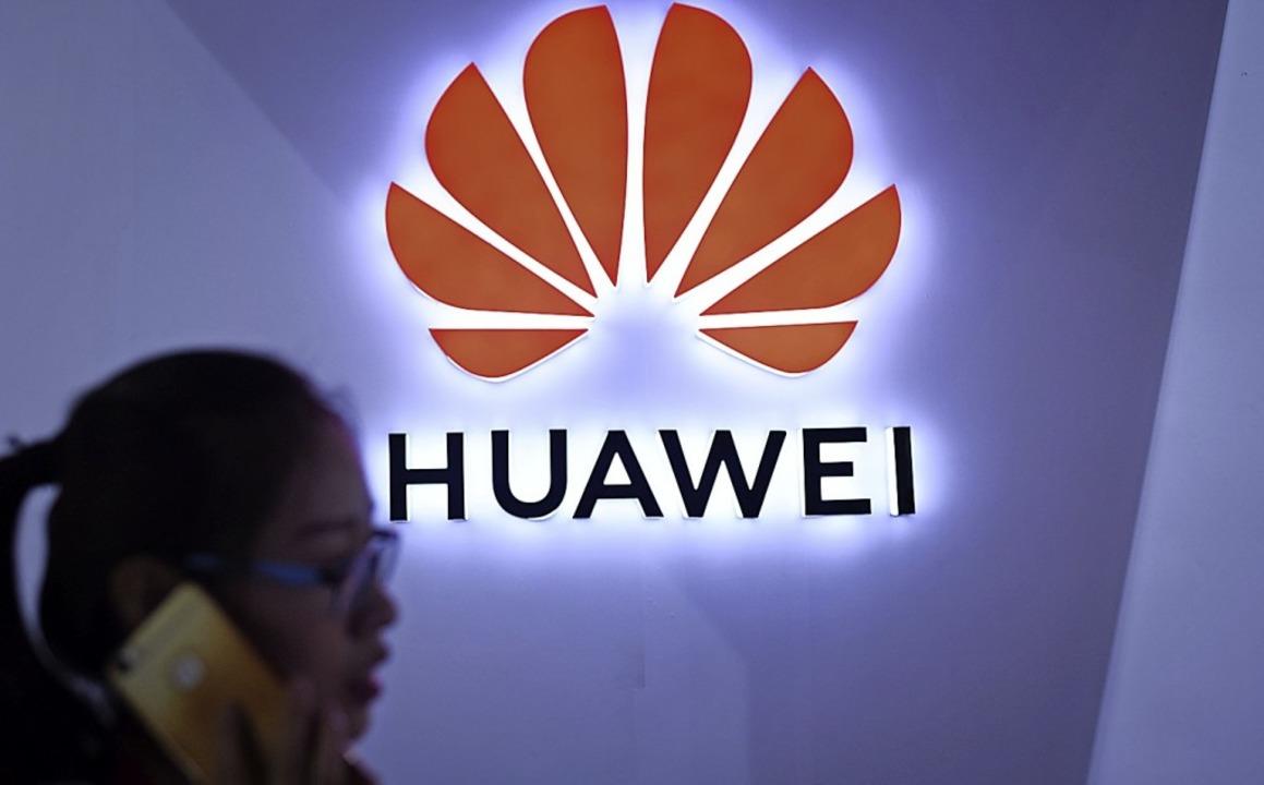 Das Logo des chinesischen Handy-Herstellers Huawei  | Foto: AFP