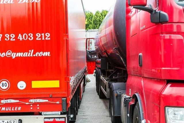 Alkohol auf der Autobahn - Polizei kontrolliert Hunderte Trucker