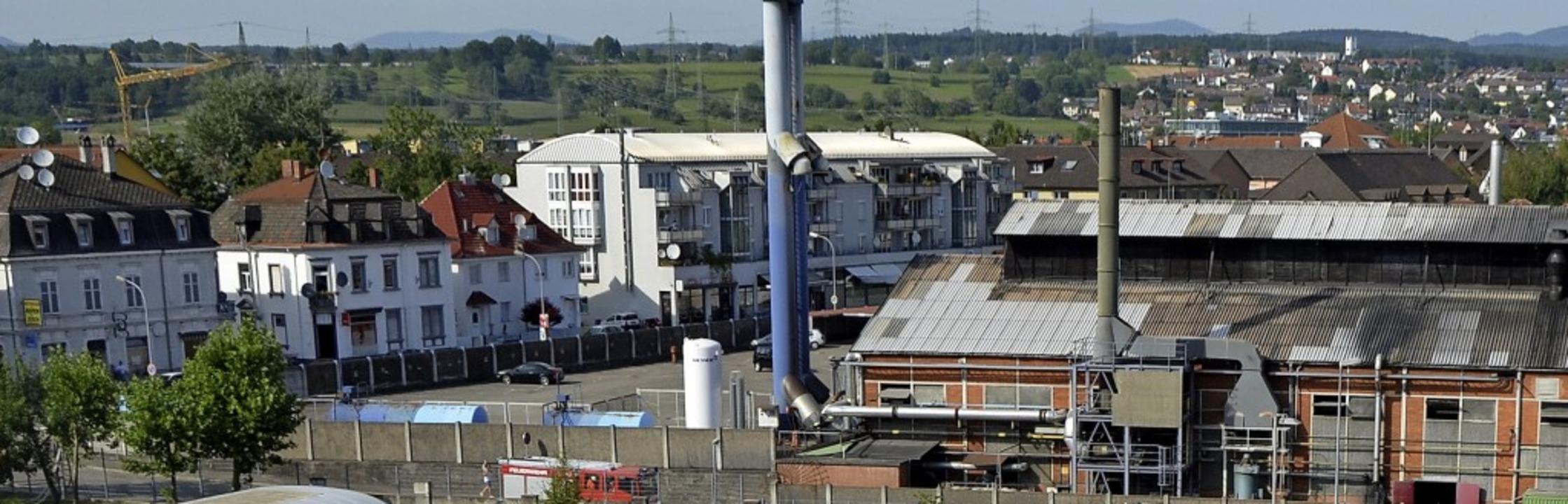 In direkter Nachbarschaft: Industrie- ...traeffiziente Industriegebiet erhält.   | Foto: Böhm-Jacob