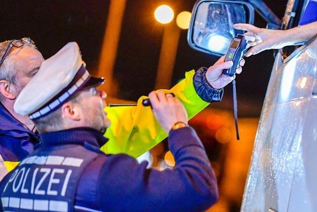 Polizei kontrolliert Hunderte Fernfahrer