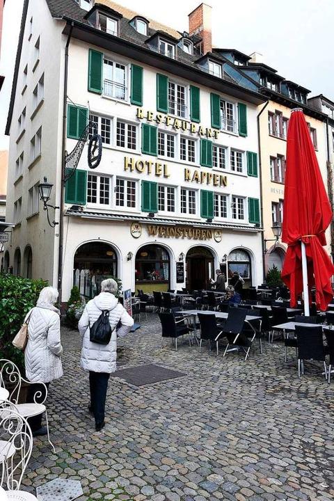 Von April an läuft das Hotel Rappen am...erplatz unter Regie von Toni Schlegel.    Foto: Thomas Kunz