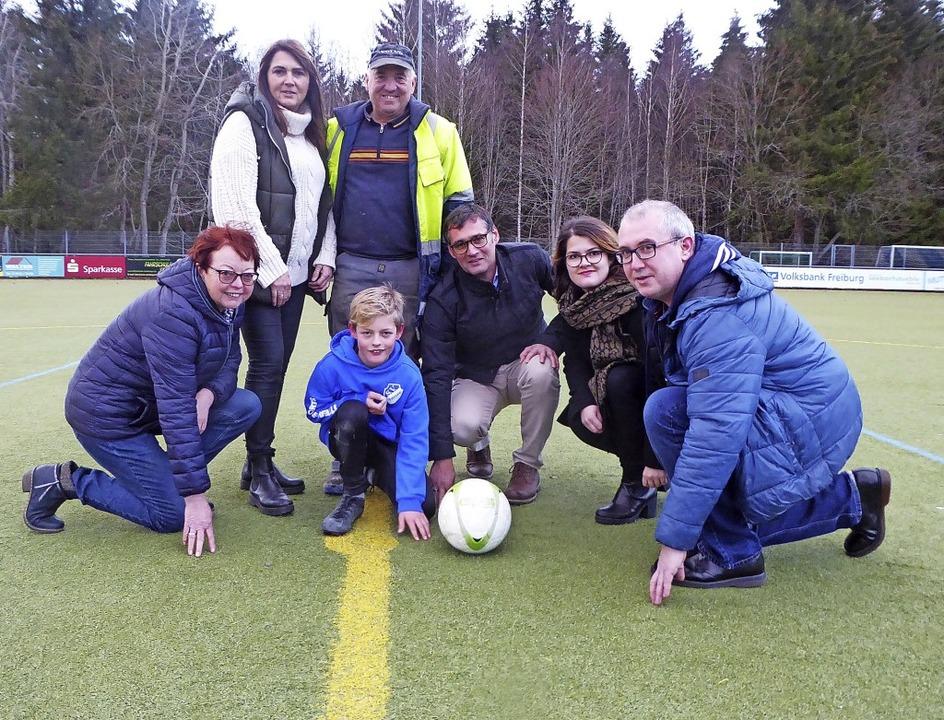 Die Arbeitsgruppe des SV Titisee, die ...s Welte; in der Mitte Nik Tritschler.   | Foto: Peter Stellmach