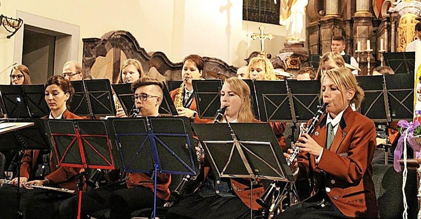 Der Musikverein Dillendorf spielte unt...en erstmals wieder ein Kirchenkonzert.  | Foto: Verein