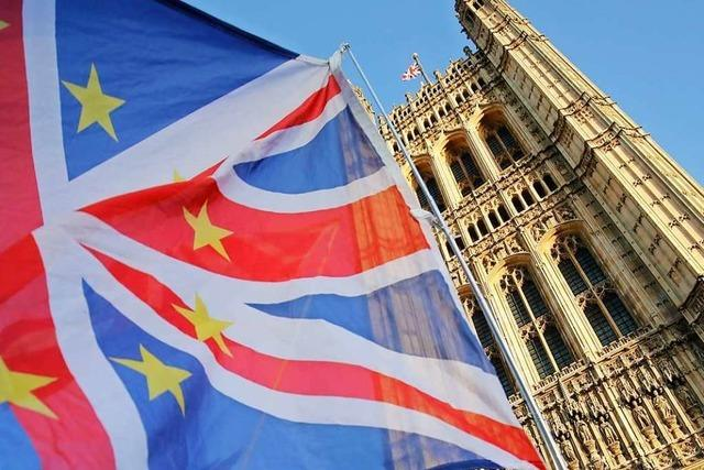 Furcht vor Brexit-Chaos: May auf Rettungsmission in Europa