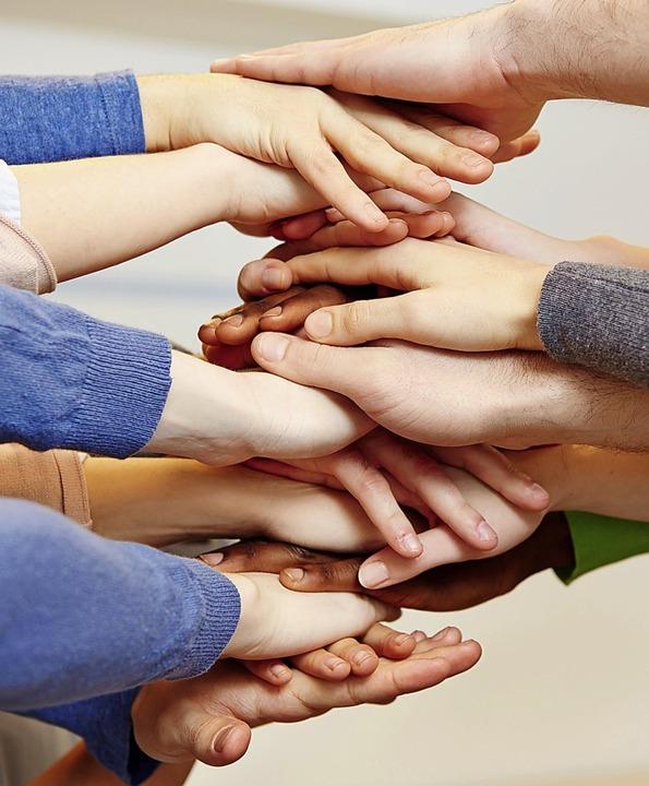 Zusammen stark sein – auch bei d...Viele Ehrenamtliche tragen dazu bei.    | Foto: Robert Kneschke (Fotolia)