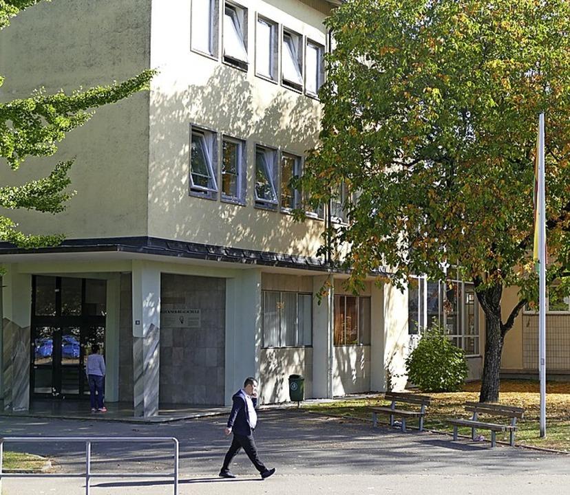 An der Realschule steht eine Teilsanierung für 450000 Euro an.    Foto: Ingrid Böhm-Jacob