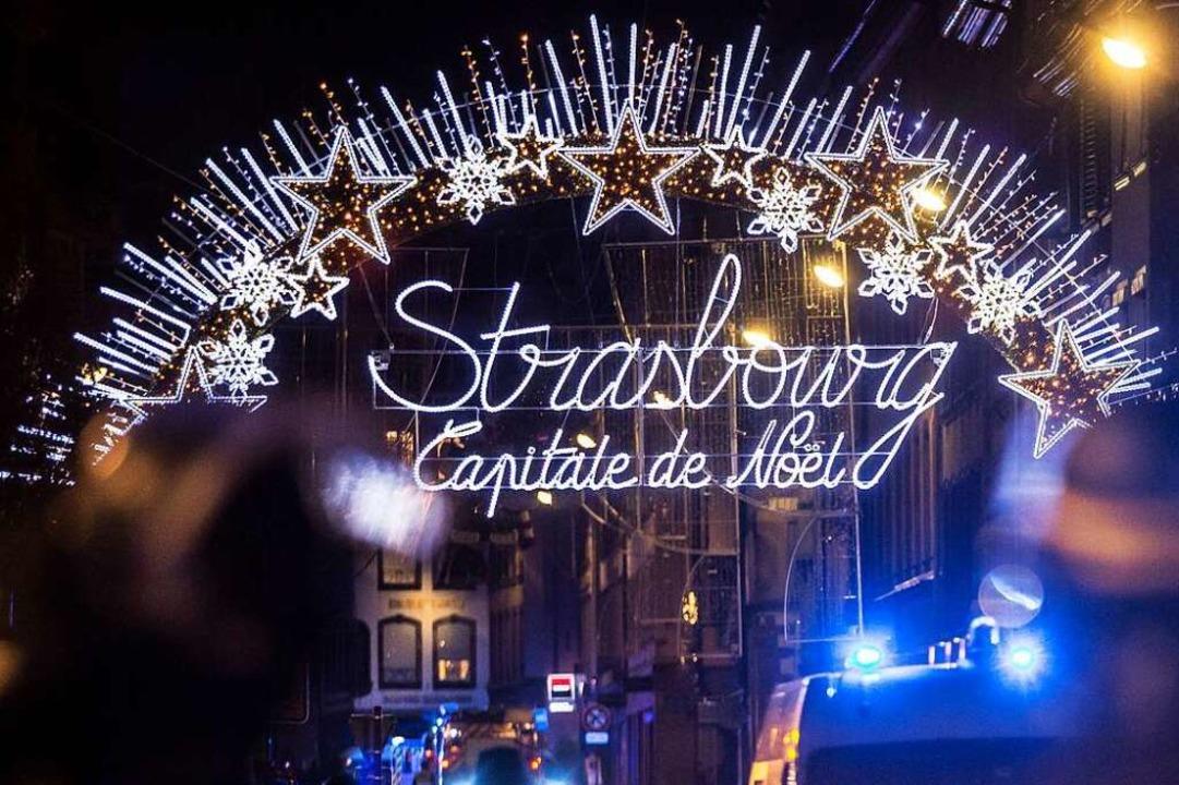 Schon einmal war der Straßburger Weihn... Ziel eines geplanten Terroranschlags.  | Foto: dpa