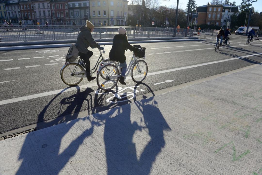 Die Baken sind abgebaut: Die Kronenbrücke ist wieder frei.  | Foto: Ingo Schneider