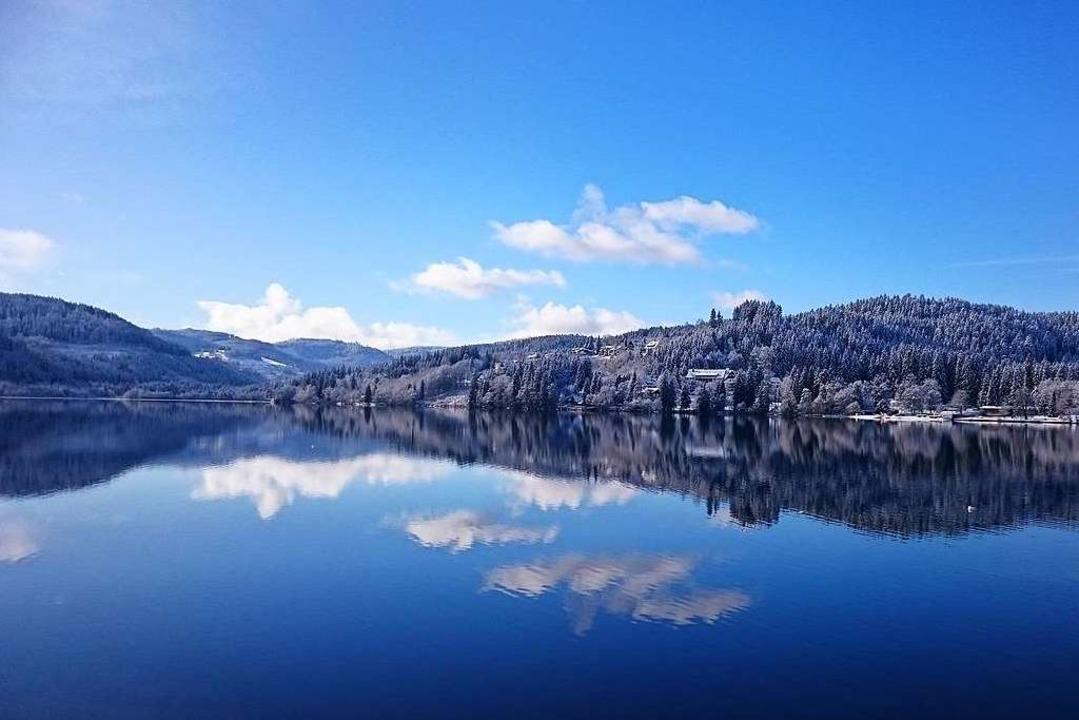 So schön kann ein Wintertag am Titisee sein.    Foto: Vera Förschner