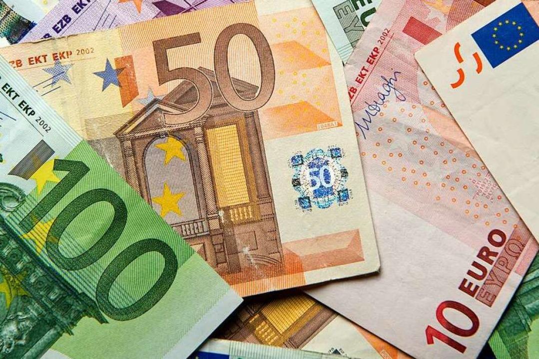 Herumwirbelnde Geldscheine haben die P...rzzeitig sperren lassen. (Symbolbild).  | Foto: dpa