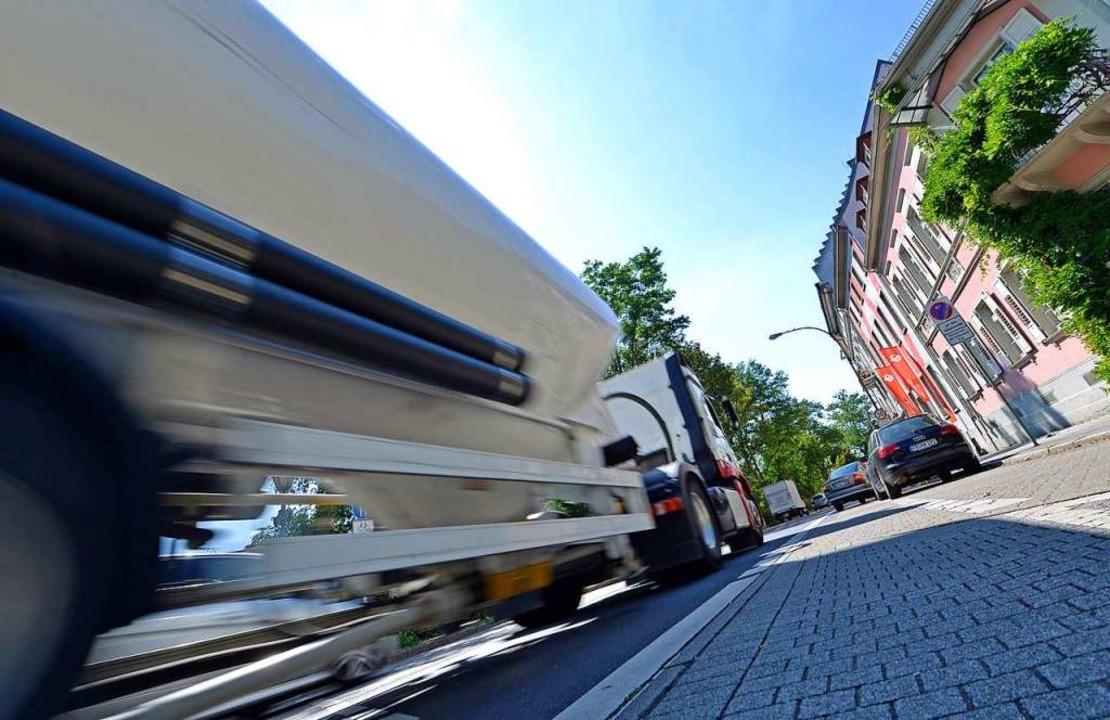 Sorgen für dicke Luft: Brummis mit mehr als zwölf Tonnen.  | Foto: Michael Bamberger