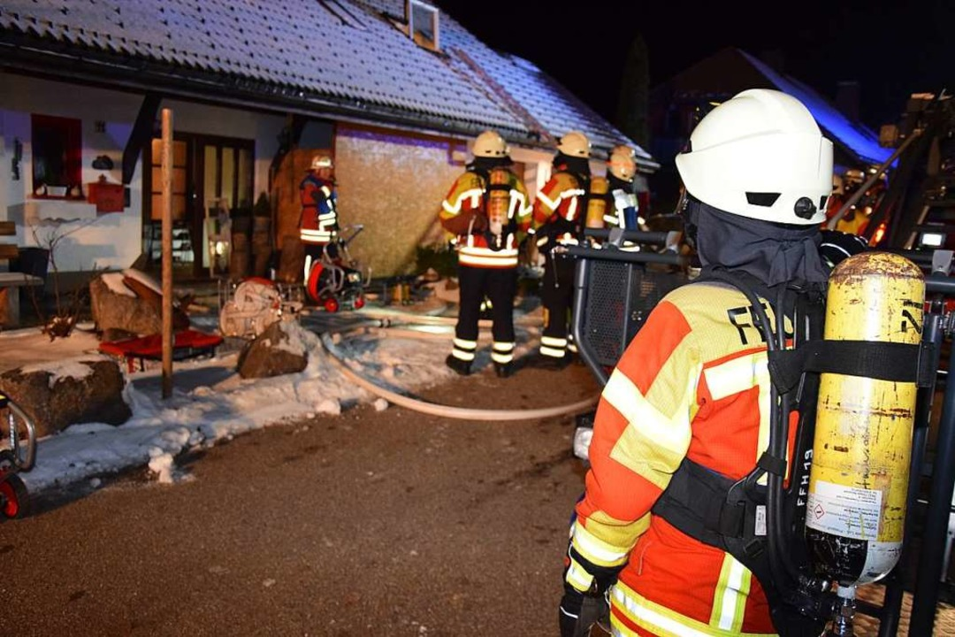 Am Sonnenberg in Breitnau war die Feuerwehr am Freitagmorgen im Einsatz.    Foto: kamera24