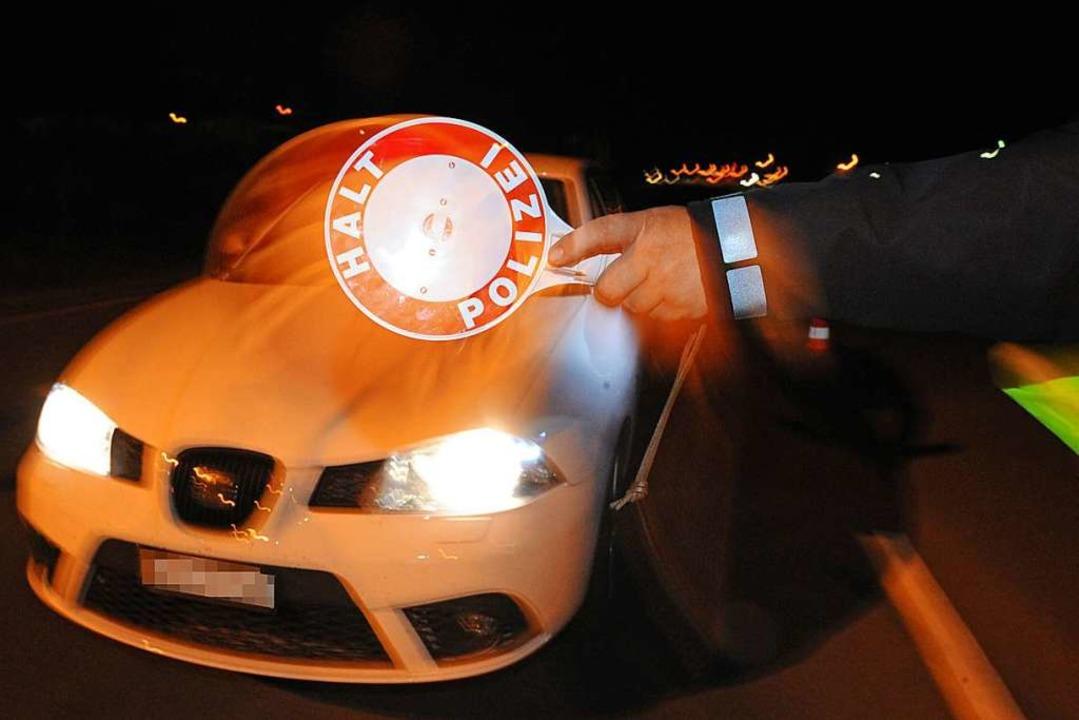 Am Donnerstagabend haben rund 60 Polzi...Deutschland durchgeführt (Symbolbild).  | Foto: dpa