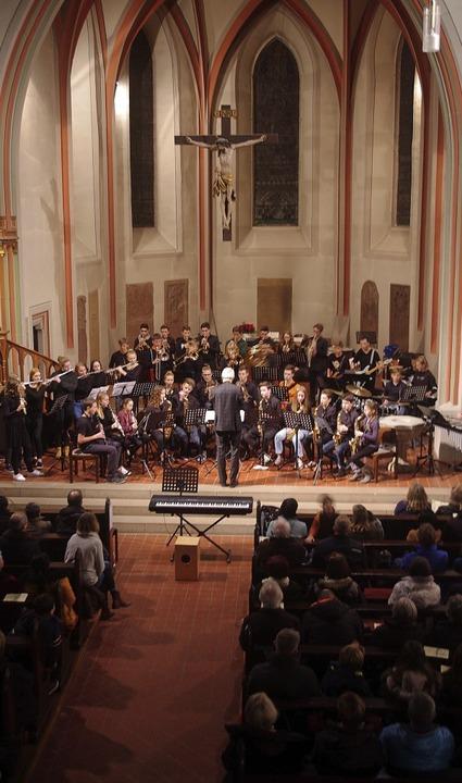 Voll  besetzt war die evangelische Sta...eihnachtskonzert der Goethe-Ensembles.    Foto: Annika Sindlinger