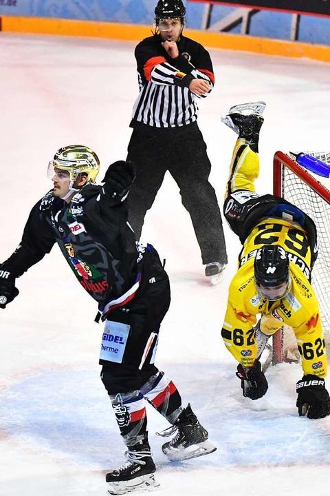 Mit einem Treffer kurz vor Schluss machte Linsenmaier den Sack zu.  | Foto: Achim Keller