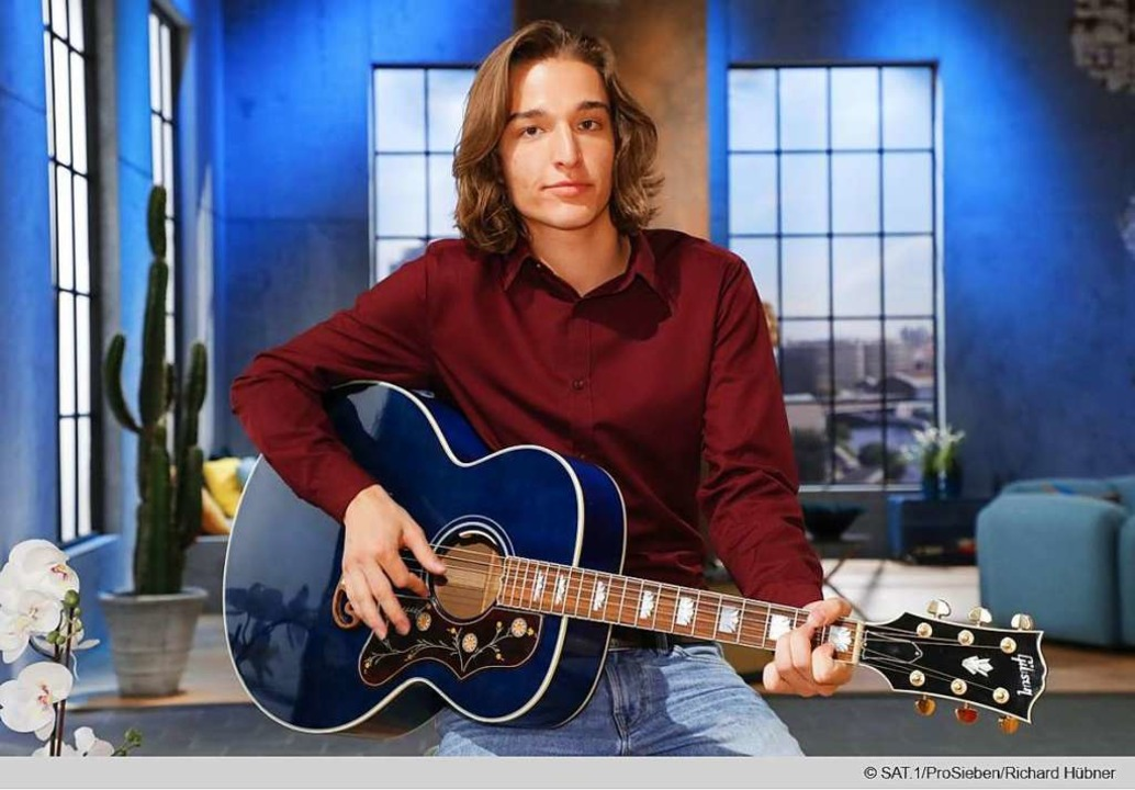 Eros Atomus Islers Markenzeichen: seine Gitarre  | Foto: ProSieben/SAT1/Richard Hübner