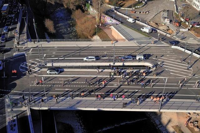 Die neue Kronenbrücke ist befahrbar