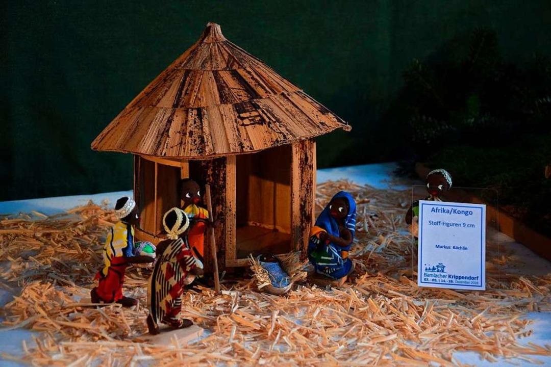 Organisator Markus Bächlin hat eine Kr...teuert. Sie stammt wohl aus dem Kongo.  | Foto: Fotos: Steudel