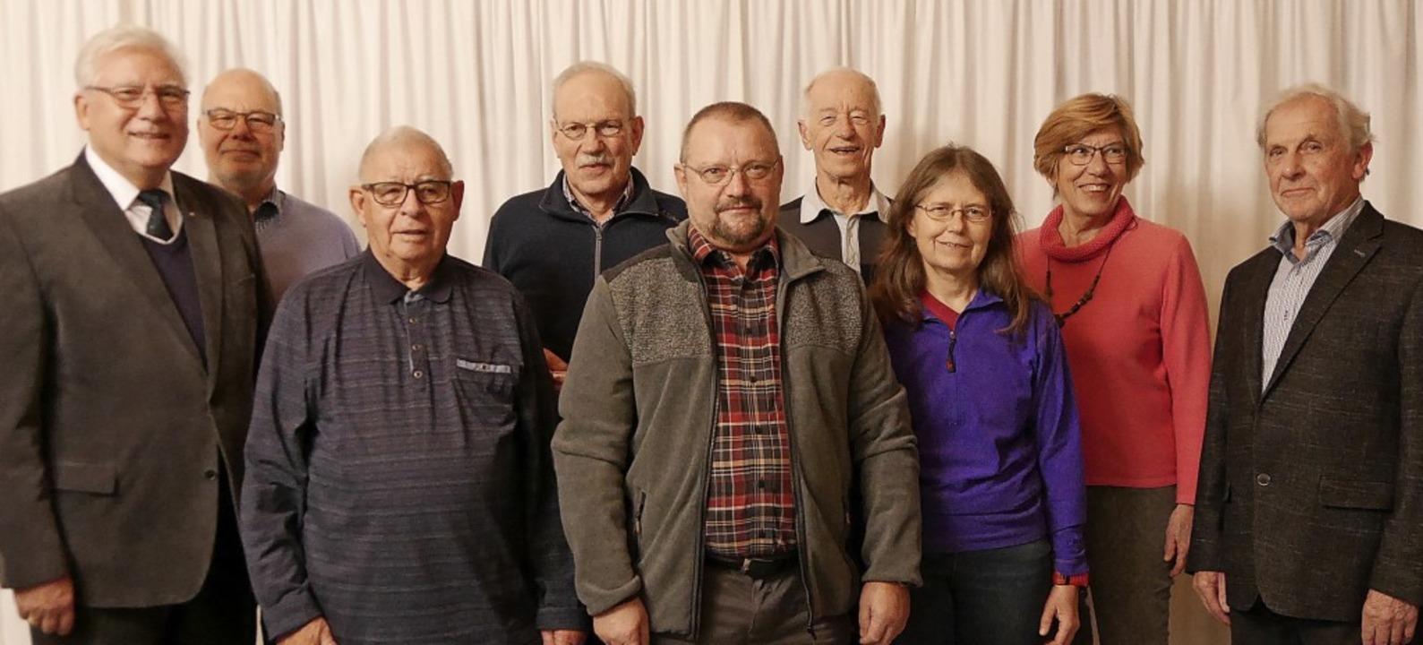 Ortsvorsteher Fred Thelen (von links) ...ser, Annemarie Hippin und Heinz Huber.  | Foto: Rank