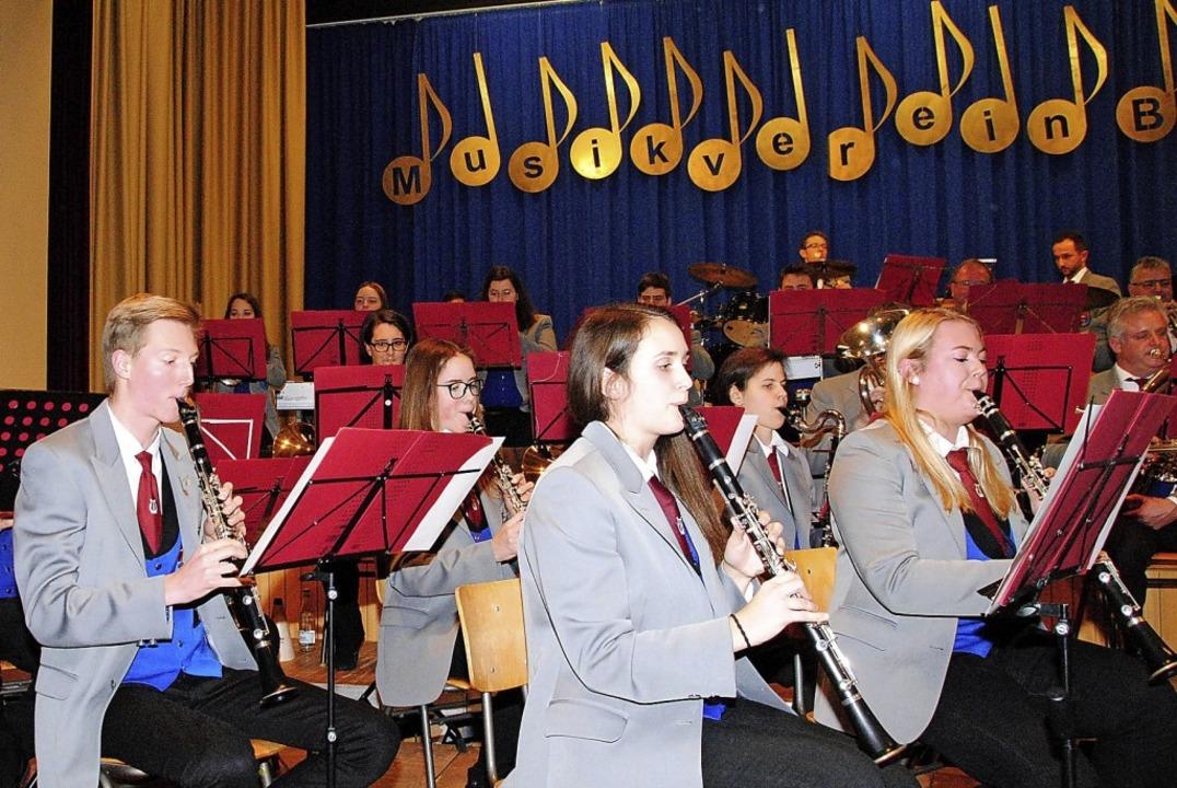 Die Musiker begeisterten mit einem sehr unterhaltsamen Konzert.  | Foto: Norbert Sedlak