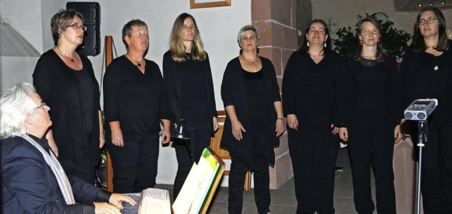 Henry Uebel begleitete die Scat'...ventskonzert in der  Egringer Kirche.   | Foto: I. Brand