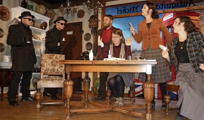 Achtung Überfall und her mit den Figuren hieß es im Haus des Gastes in Saig.   | Foto: Heidrun Simoneit