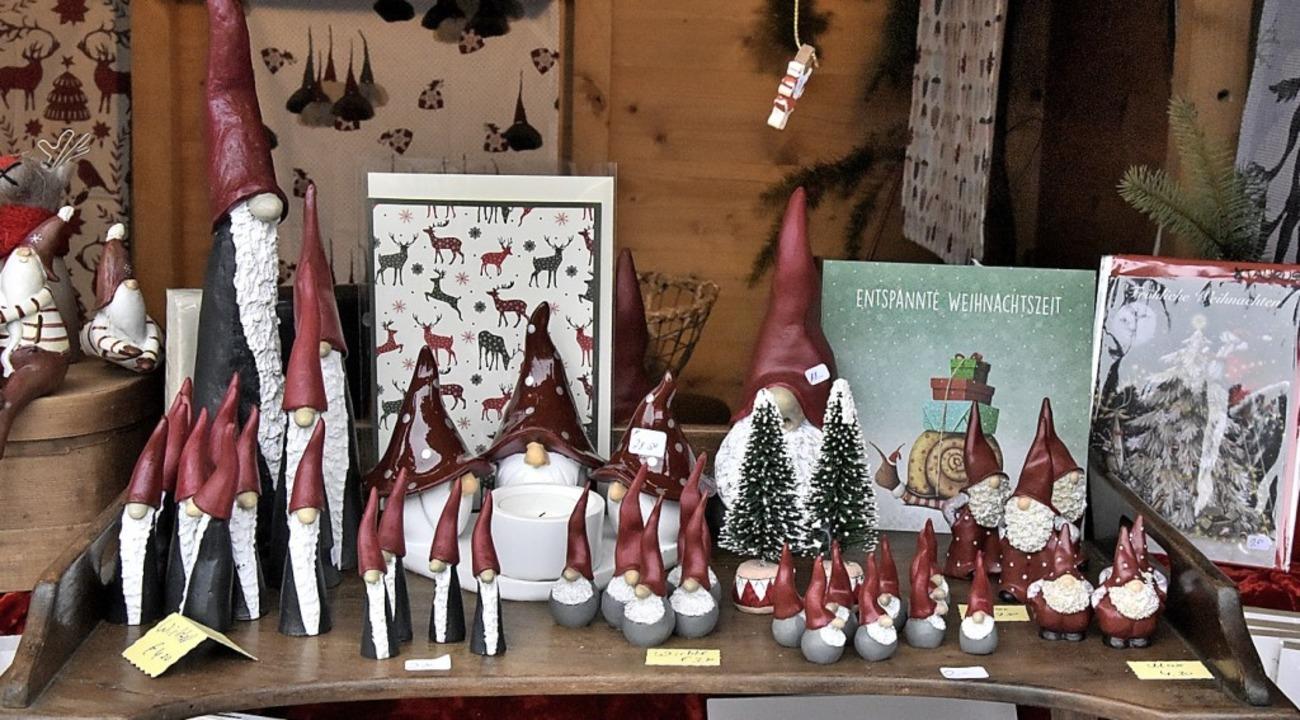 Weihnachtliches, Kunsthandwerk und Sel...ger Konkurrenz mit Krämermarktartikeln    Foto: Markus Zimmermann