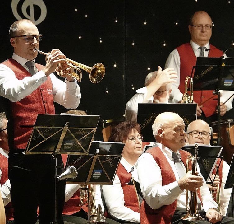 Von Polka  bis Pop: Der Musikverein St...ein Jahreskonzert der Extraklasse ab.     Foto: Hans-Jürgen Hege