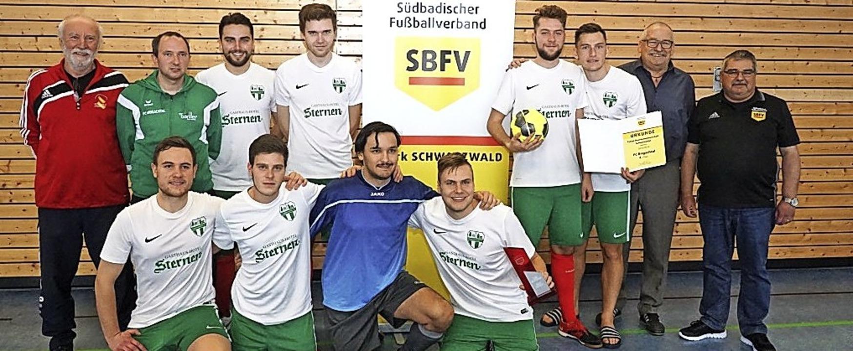 Die Fußballer des A-Kreisligisten FC B...fingen den Futsal-Bezirksmeistertitel.  | Foto: bächle