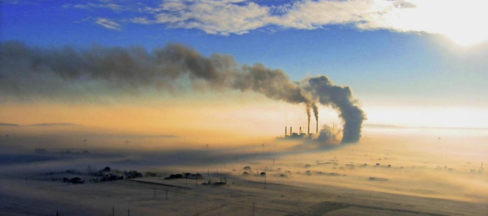 Kohlekraftwerk im Kosovo: Die Energieg...nden Jahren deutlich reduziert werden.  | Foto: Kandis (photocase.de)