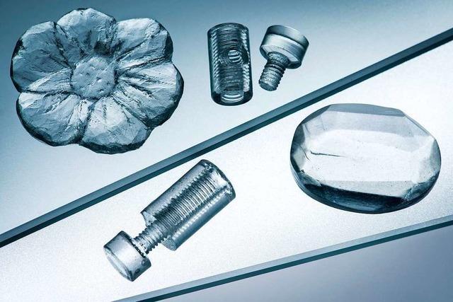 Freiburger Firma entwickelt Verfahren, mit dem Glas so flexibel zu verarbeiten ist, wie Kunststoff