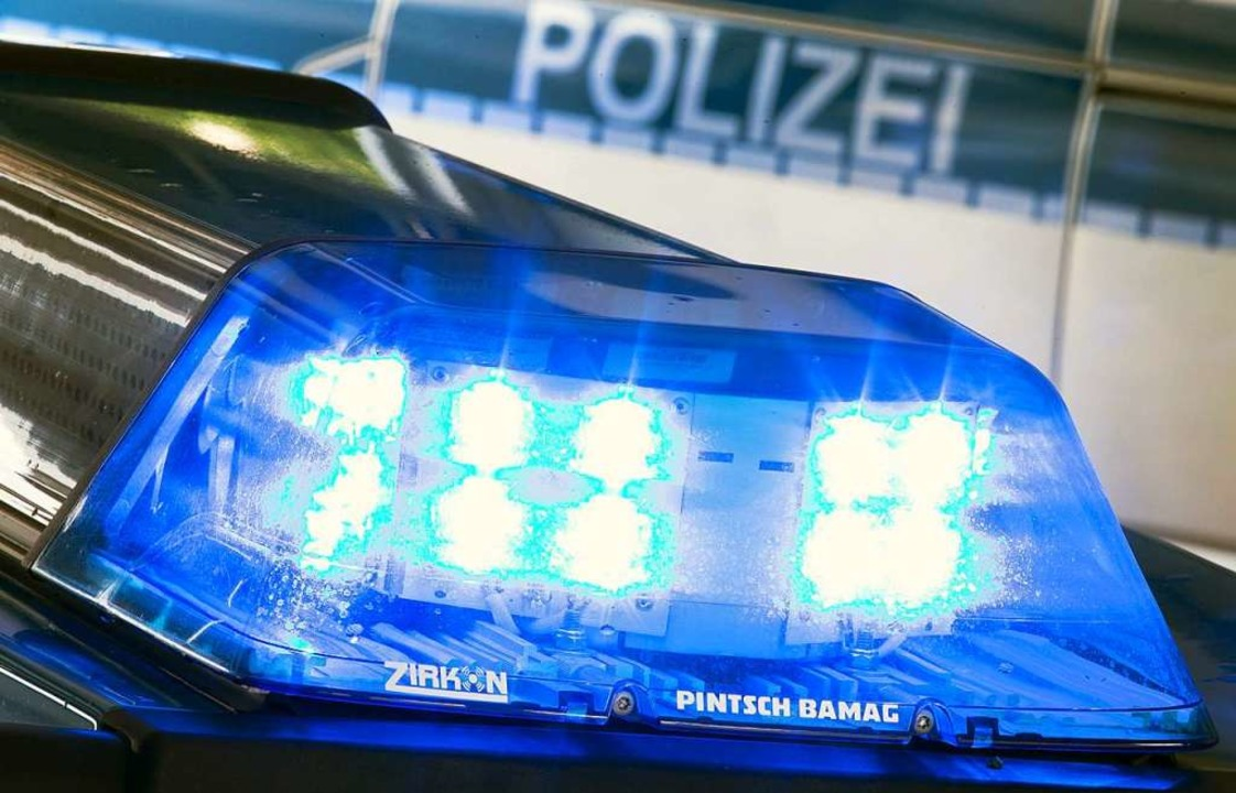 Die Polizei berichtet, dass durch den ...anden sind und niemand verletzt wurde.  | Foto: Friso Gentsch